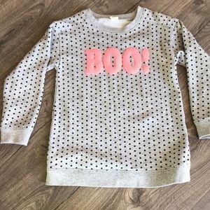 Gap grey sweatshirt with black dots that says BOO